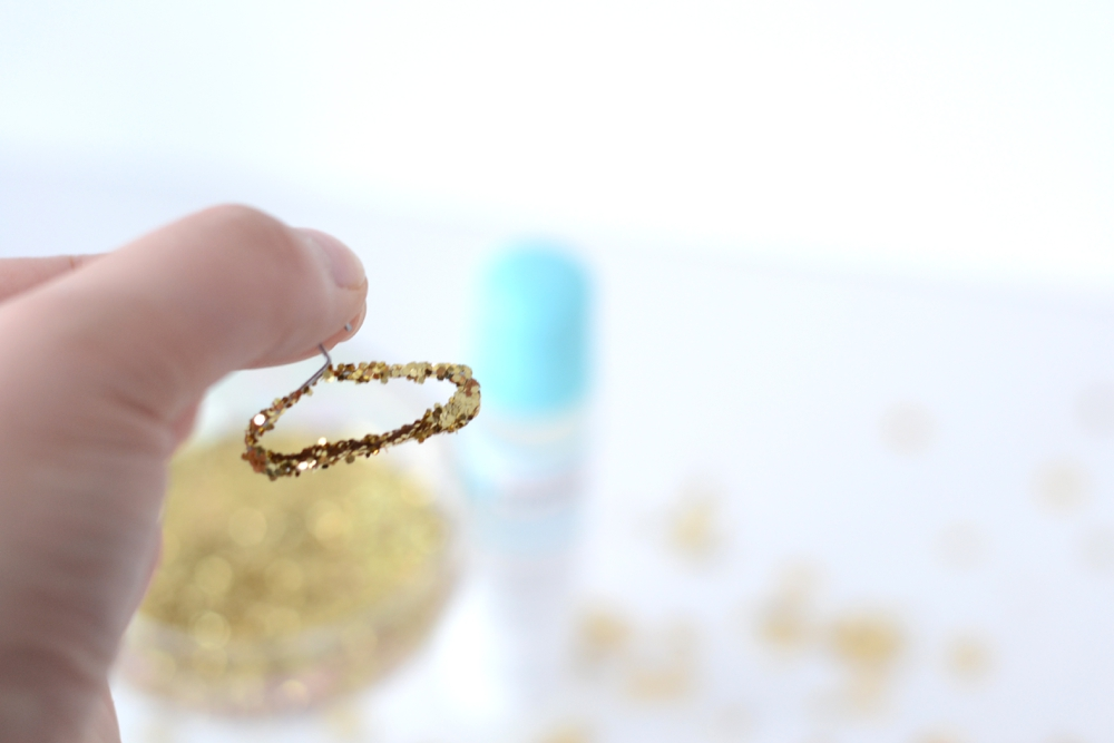 Love Colorful_DIY Mini Glitter Hangers_0004