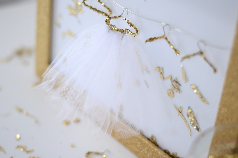 Love Colorful_DIY Mini Glitter Hangers_0009